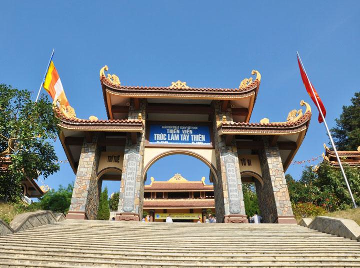 Thiền viện Trúc Lâm Tây Thiên - Đẹp tựa chốn thần tiên